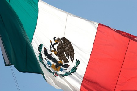 The Mexican tricolour of green, white, and red , photo:Tracy Lee Carroll/flickr.