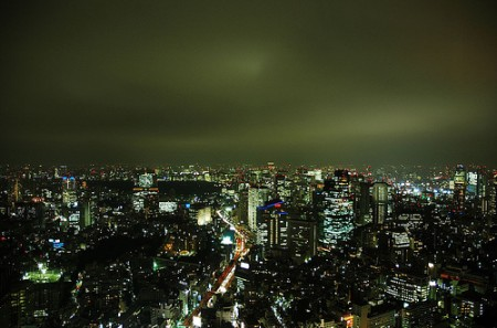 Tokyo skyline at night, photo: Peter Morgan / flickr
