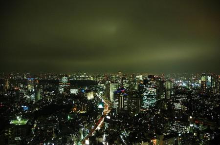 Tokyo skyline at night, photo: Peter Morgan / flickr