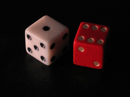 Rolling the dice to roll in the dough / photo: Maximaximax, wikipedia
