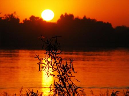 A serene sunset in a war-ravaged Niger Delta / Photo: Sigma Delta, flickr
