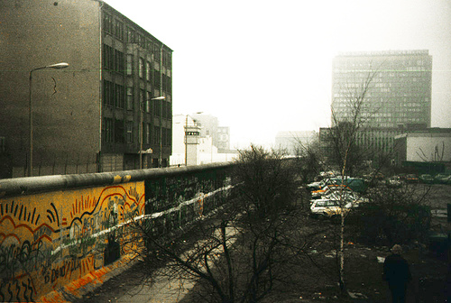 The Berlin Wall in 1987, photo: fjords/flickr