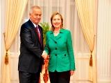 Uzbek President Islam Karimov with US Secretary of State Hilary Clinton