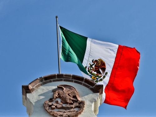 http://en.wikipedia.org/wiki/File:The_Mexican_Flag.jpg